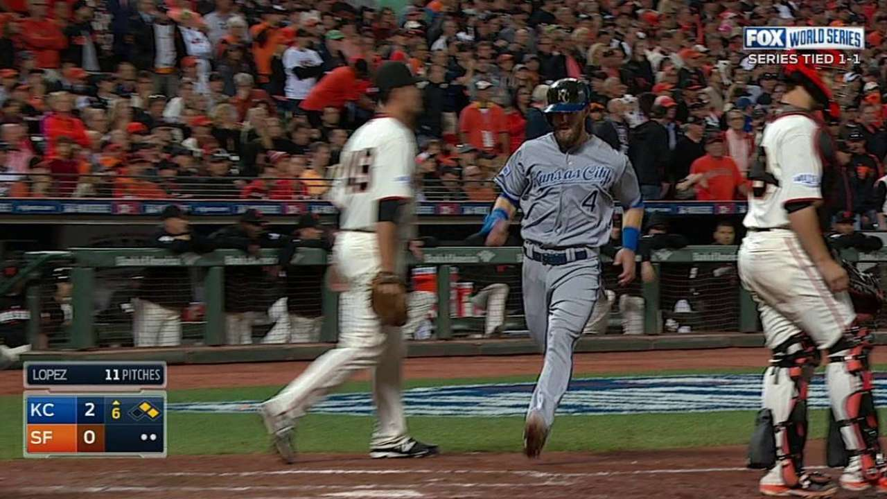 Royals seize control of Series, edge Giants in Game 3