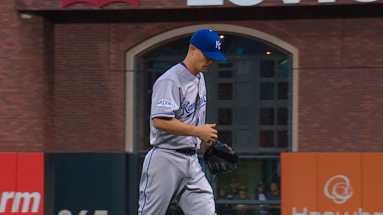 Guthrie delivers Royals a postseason gem by the Bay