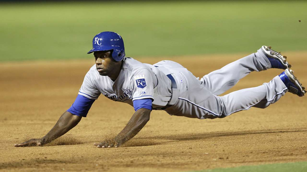 Royals find basepaths in SF to be 'extra wet'