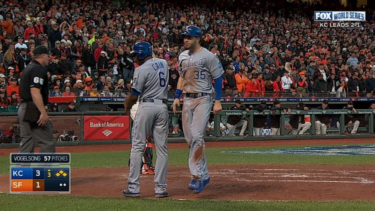 Rough night for Royals' bullpen as Giants knot Series