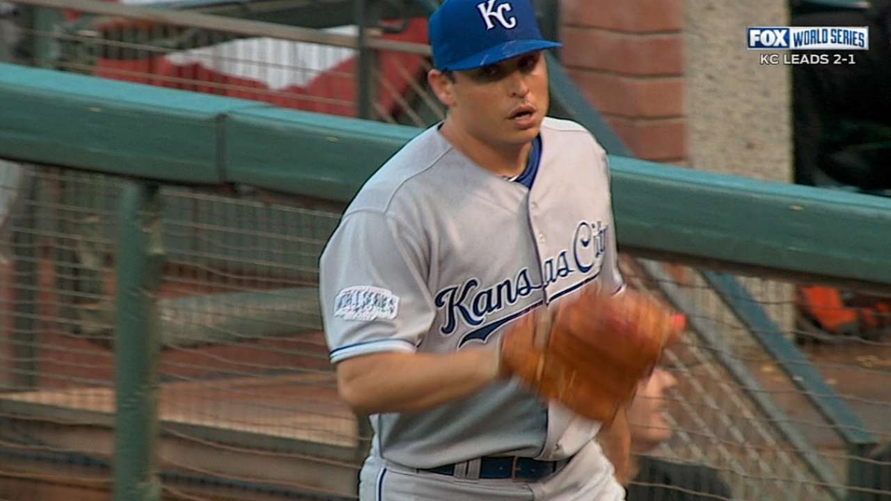 Vargas loses track of count, grip on Royals' lead