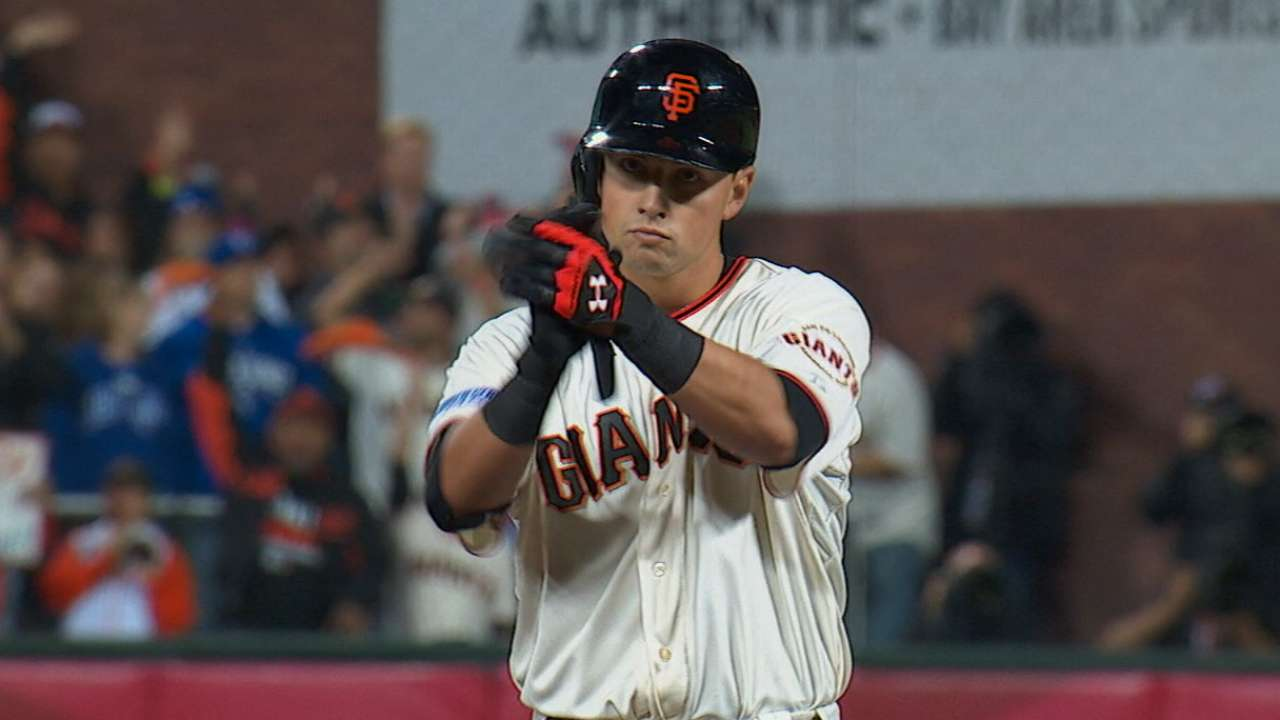 Giants even Series with comeback win over Royals