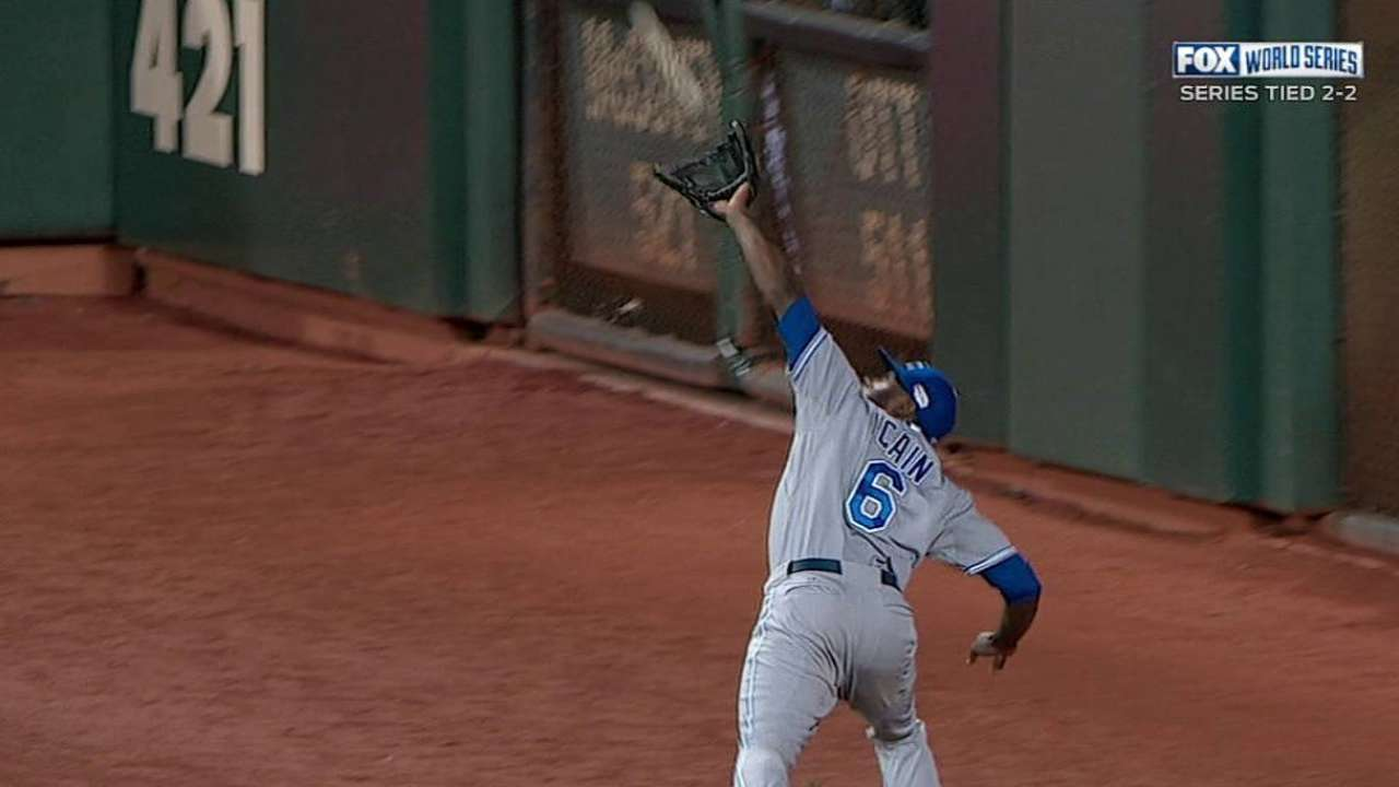 Cain, Davis, Ventura receive Royals' team awards