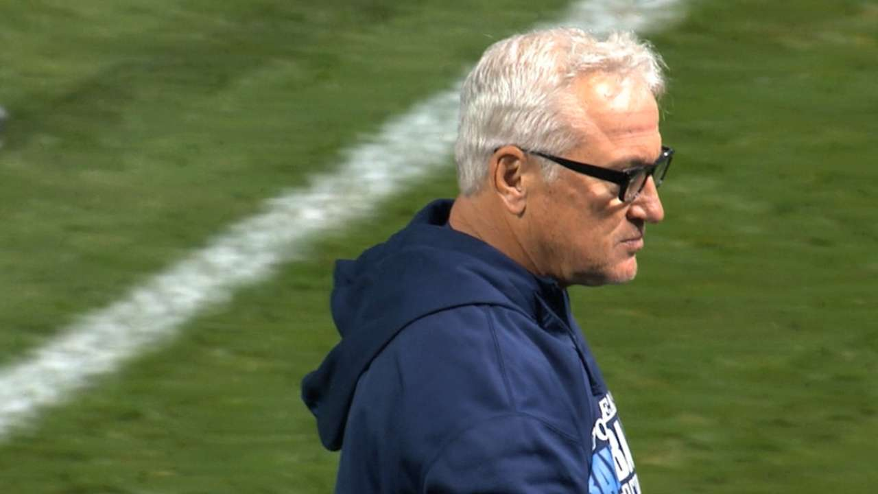 Cubs hire Maddon to lead club