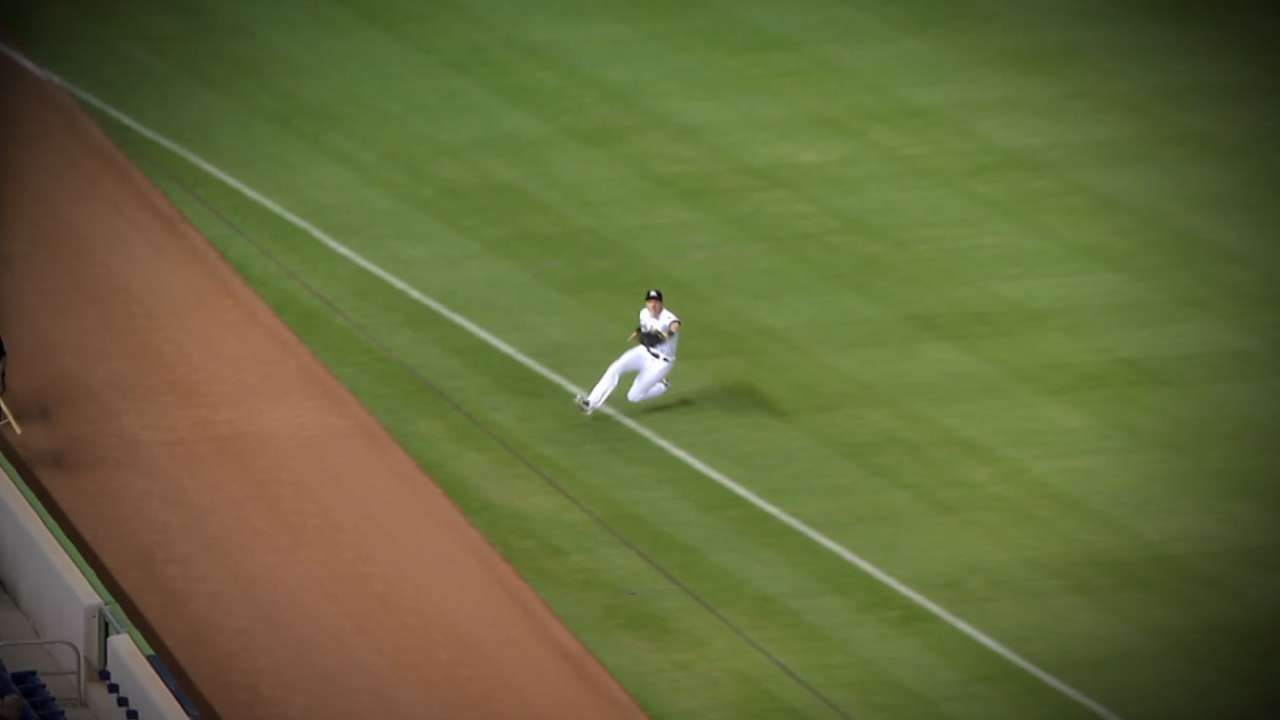 Yelich takes home Gold Glove