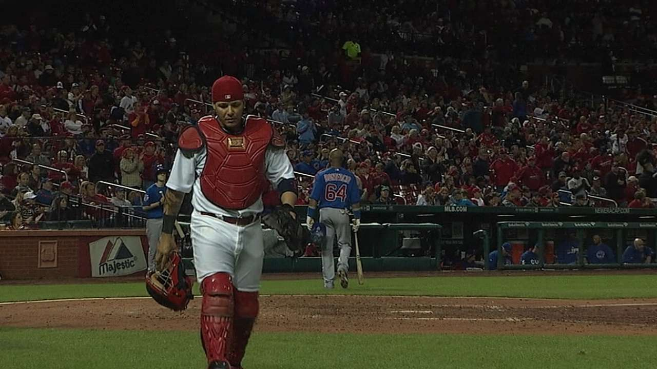Molina wins seventh Gold Glove