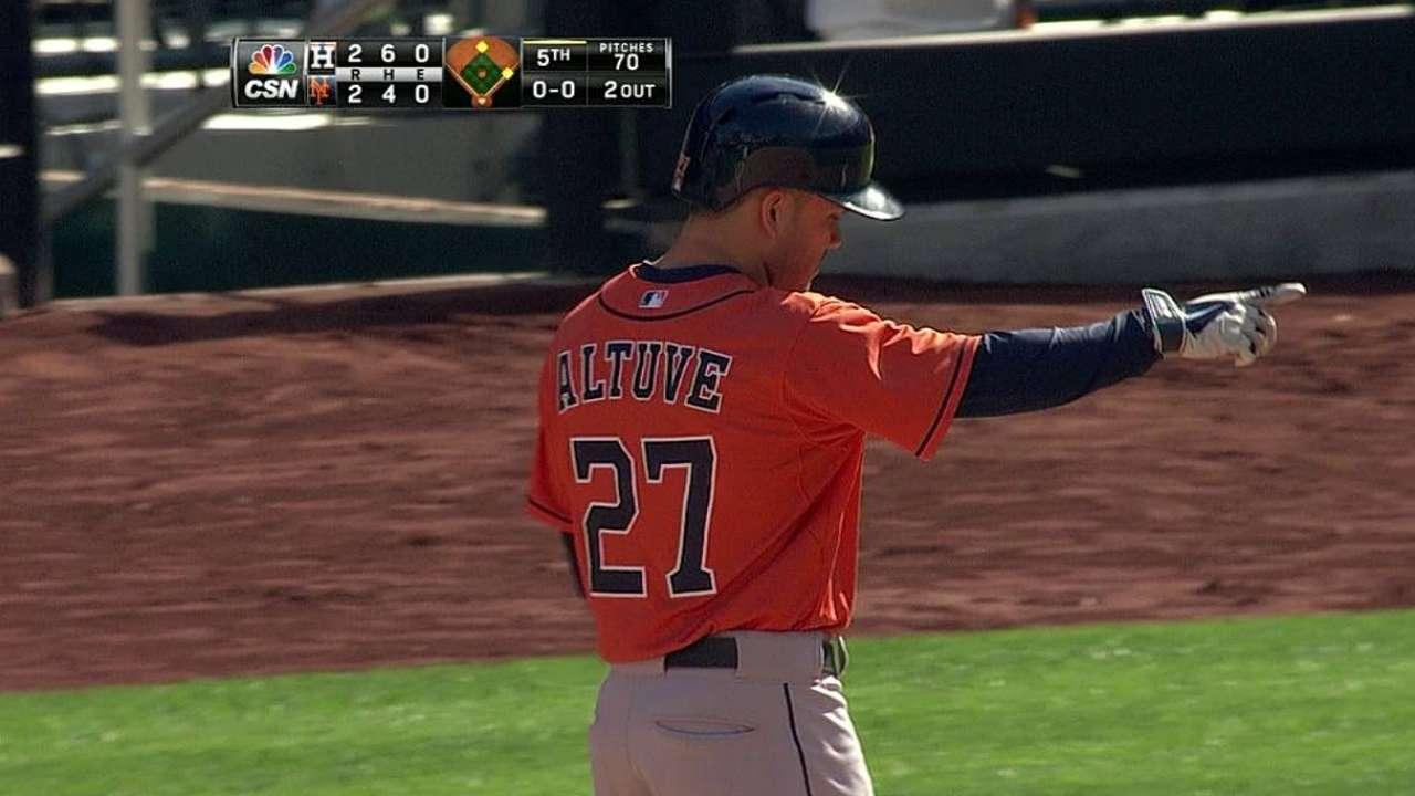 Altuve records hit No. 225
