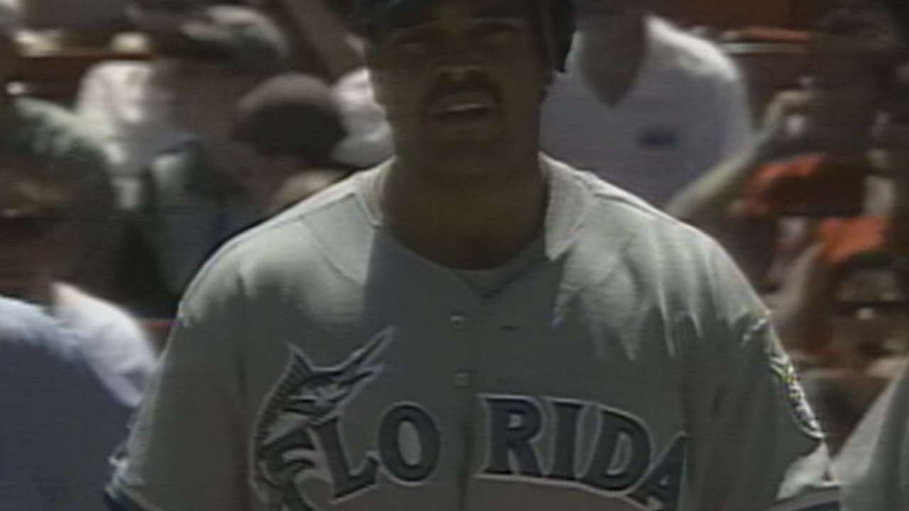 Piazza's first Marlins hit