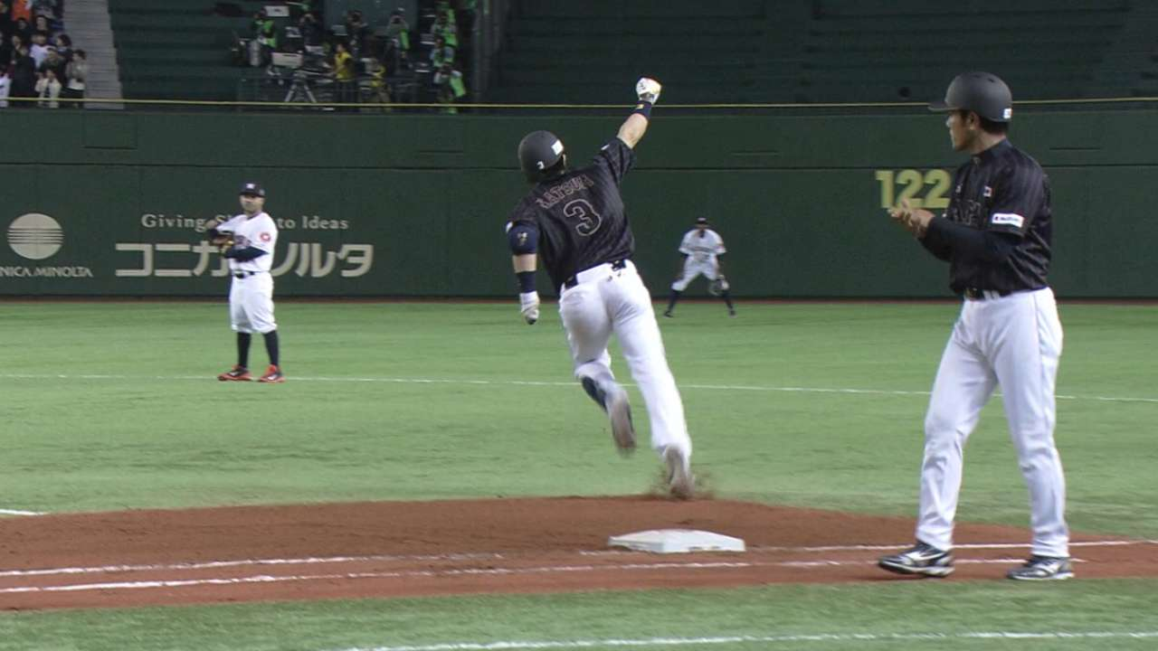 Padres meet with Japanese 3B Matsuda