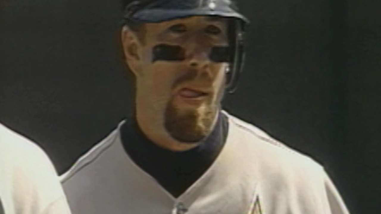 Bagwell gets slight voting bump in fifth year on ballot