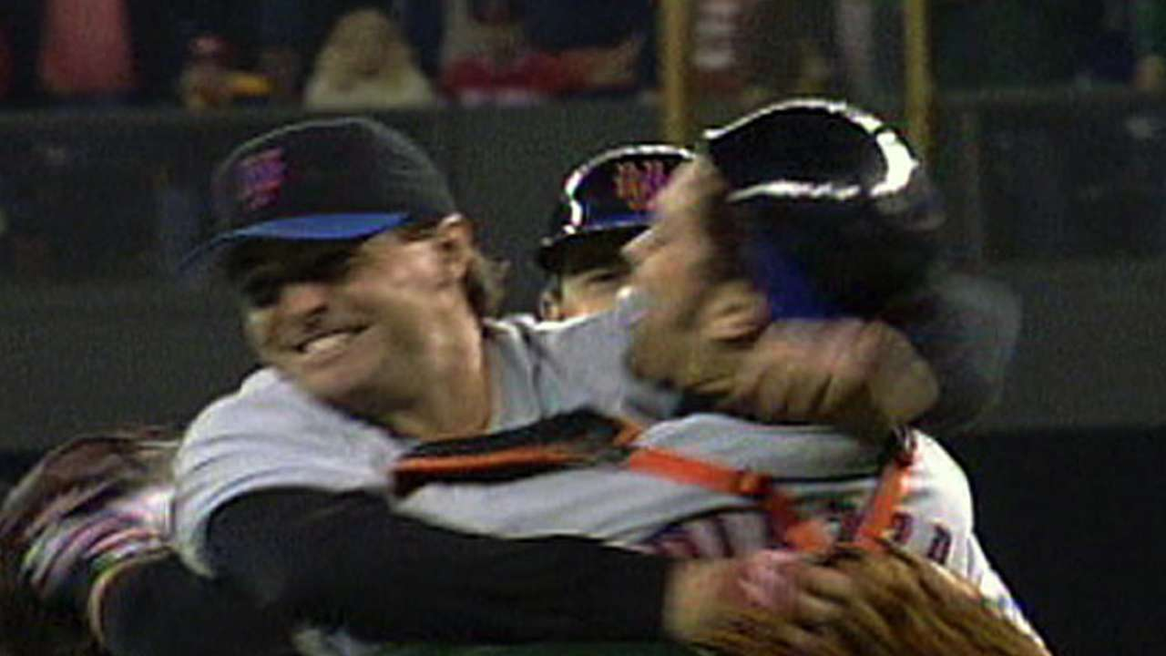 Leiter helps Mets advance