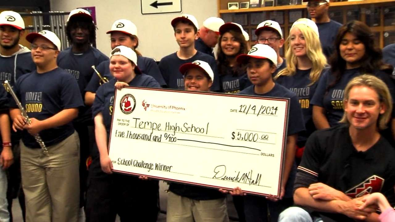 Arroyo, D-backs present School Challenge grants