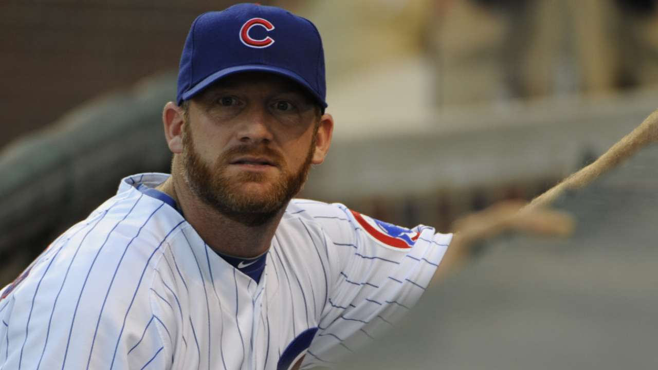 Dempster retires with Cubs, joins front office