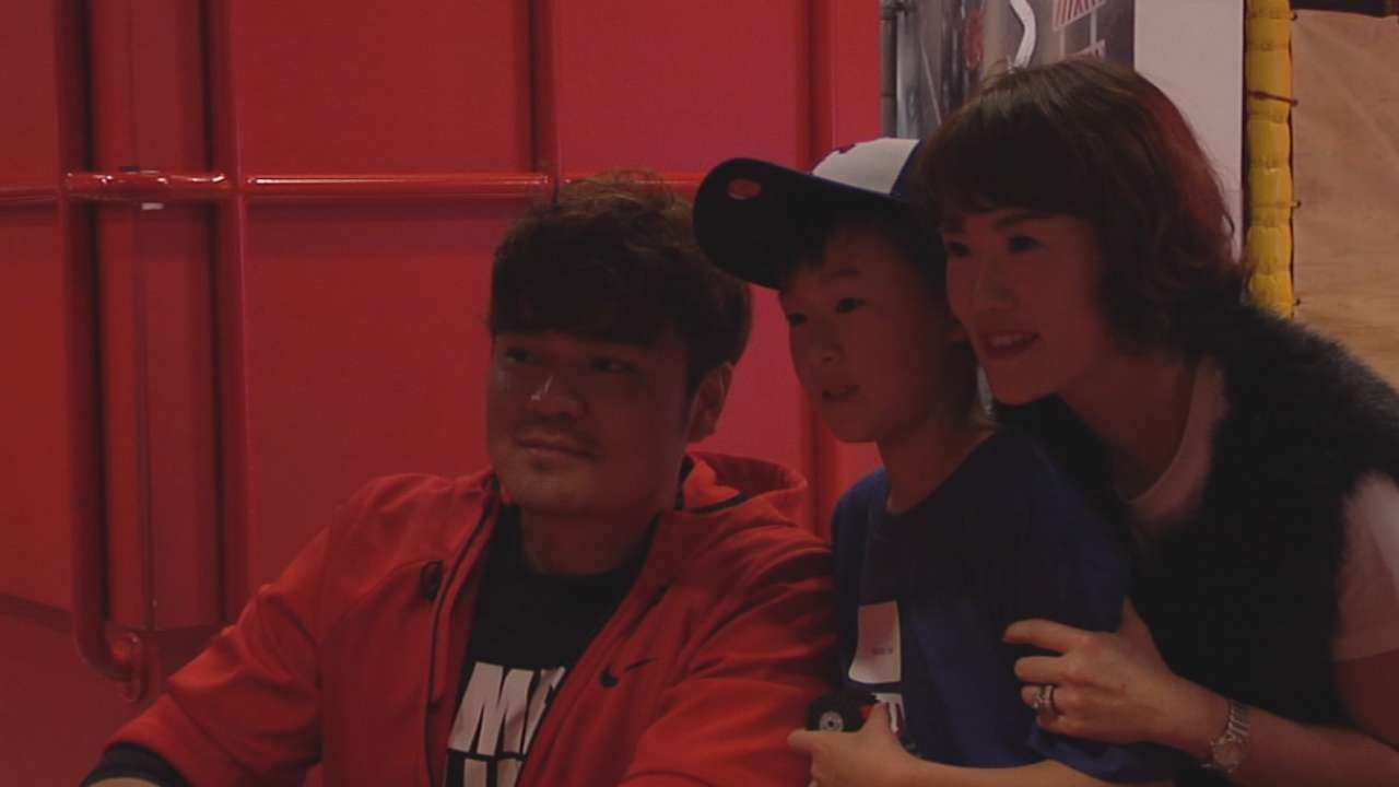 Choo uses Legos to bond with Korean-American youth