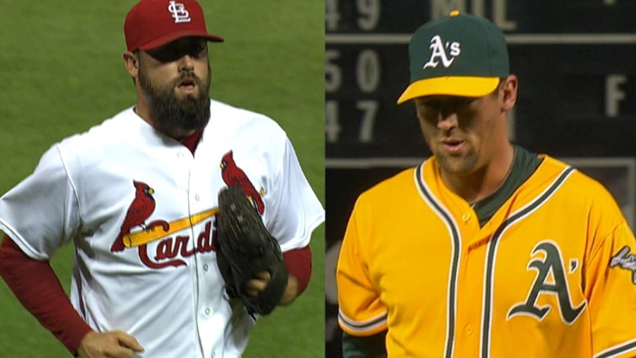 Astros add veteran bullpen arms