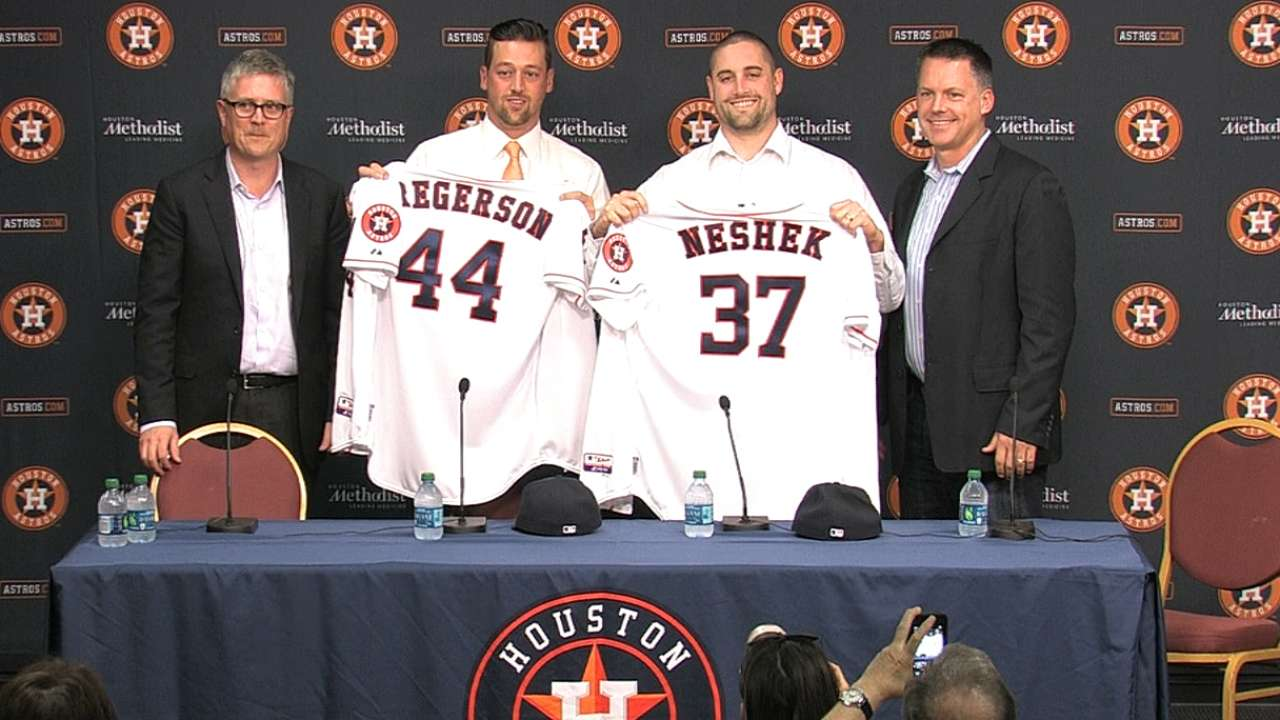 Astros welcome two new relievers