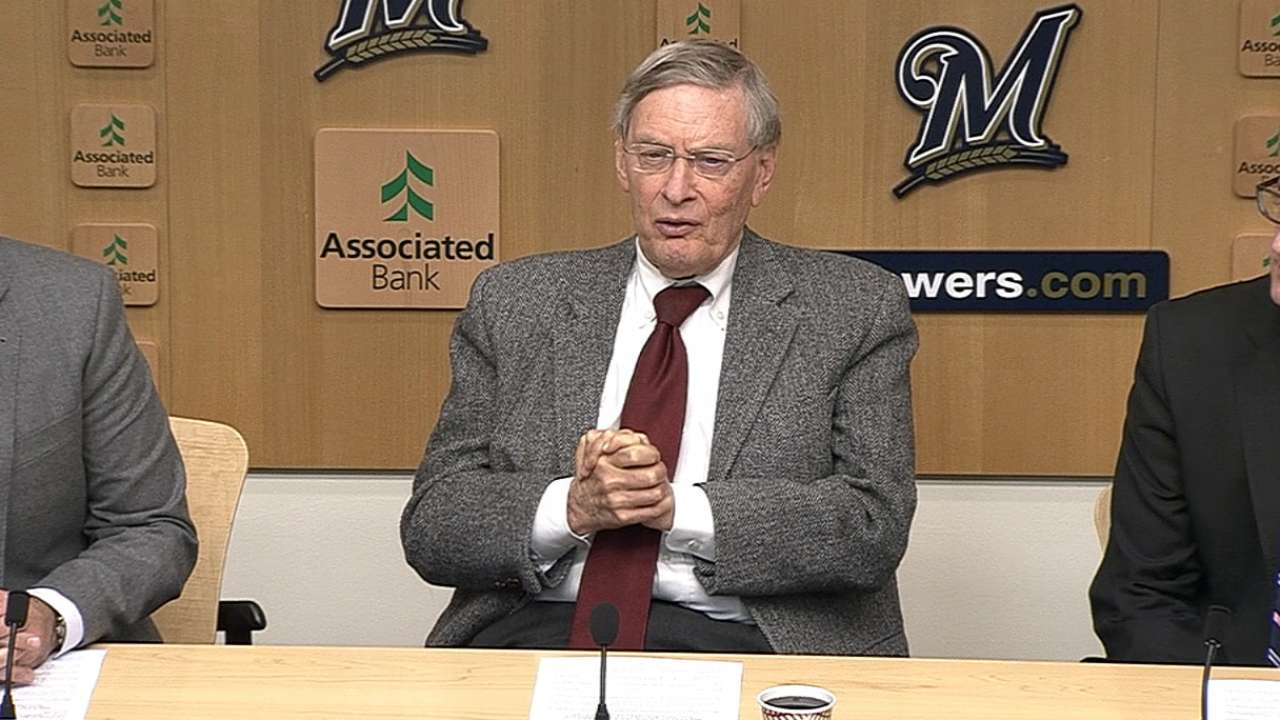 Brewers' gesture a testament to Selig's Milwaukee legacy