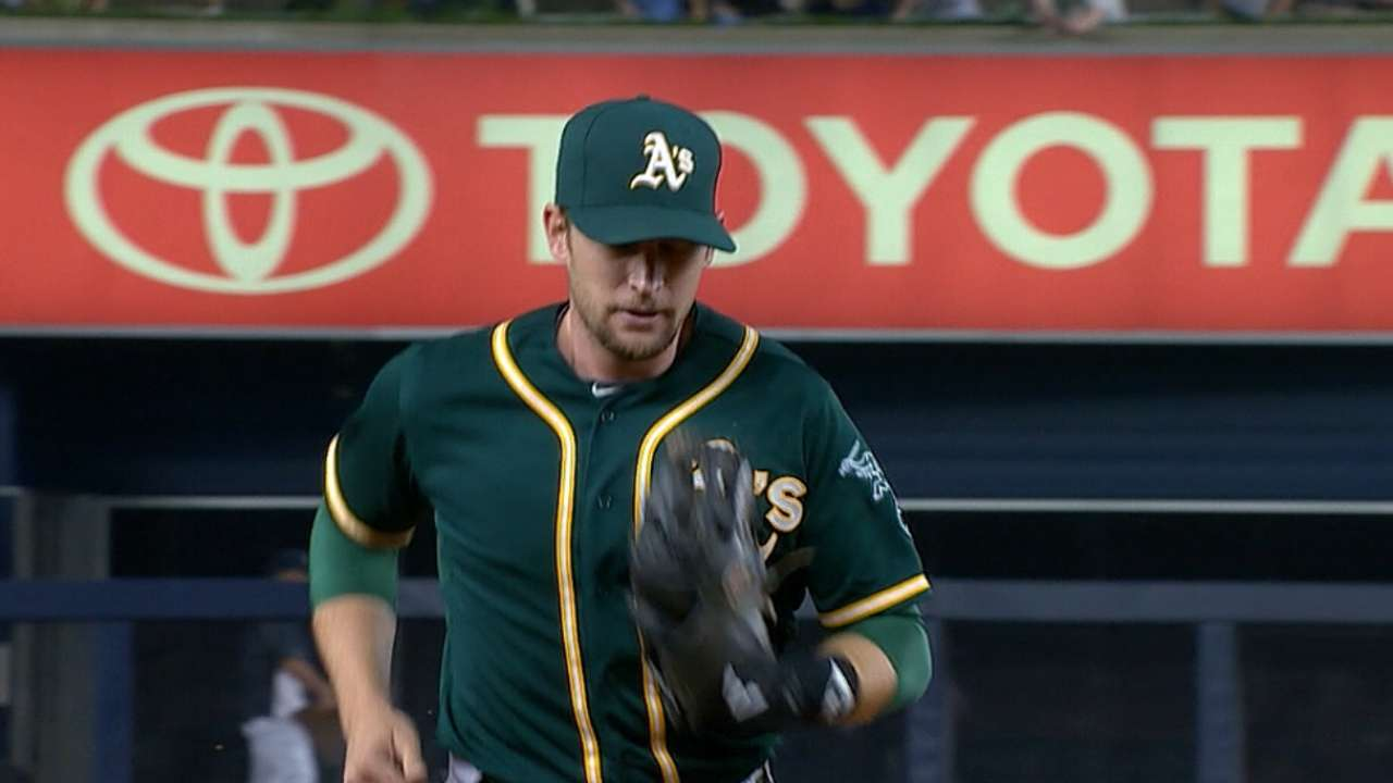 Lowrie returns to Astros