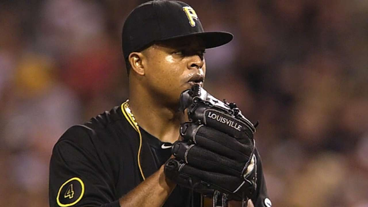 Royals, Volquez agree to deal