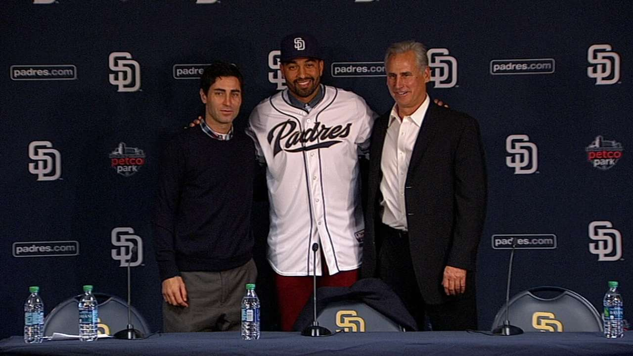 Kemp joins the Padres