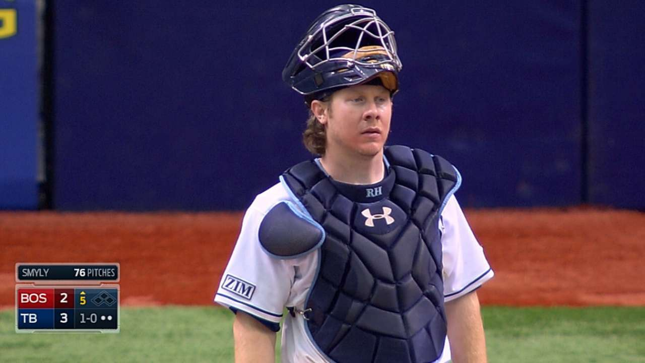 Veteran Hanigan getting comfortable with Red Sox