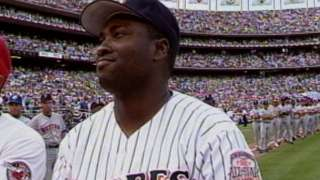 1992 ASG: Gwynn is introduced in front of home crowd