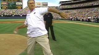 AL@NL: Ted Williams throws out first pitch in '92 ASG