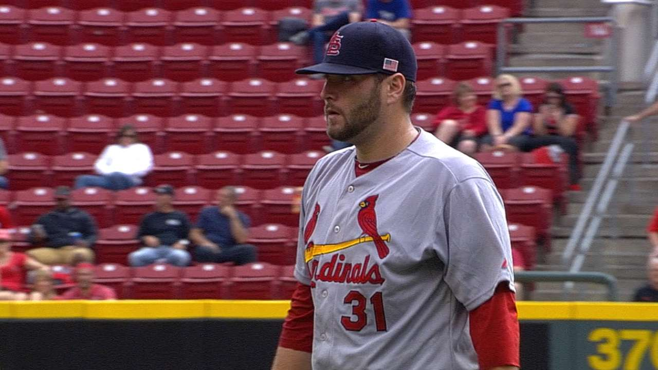 Lynn agrees to 3-year contract with Cardinals