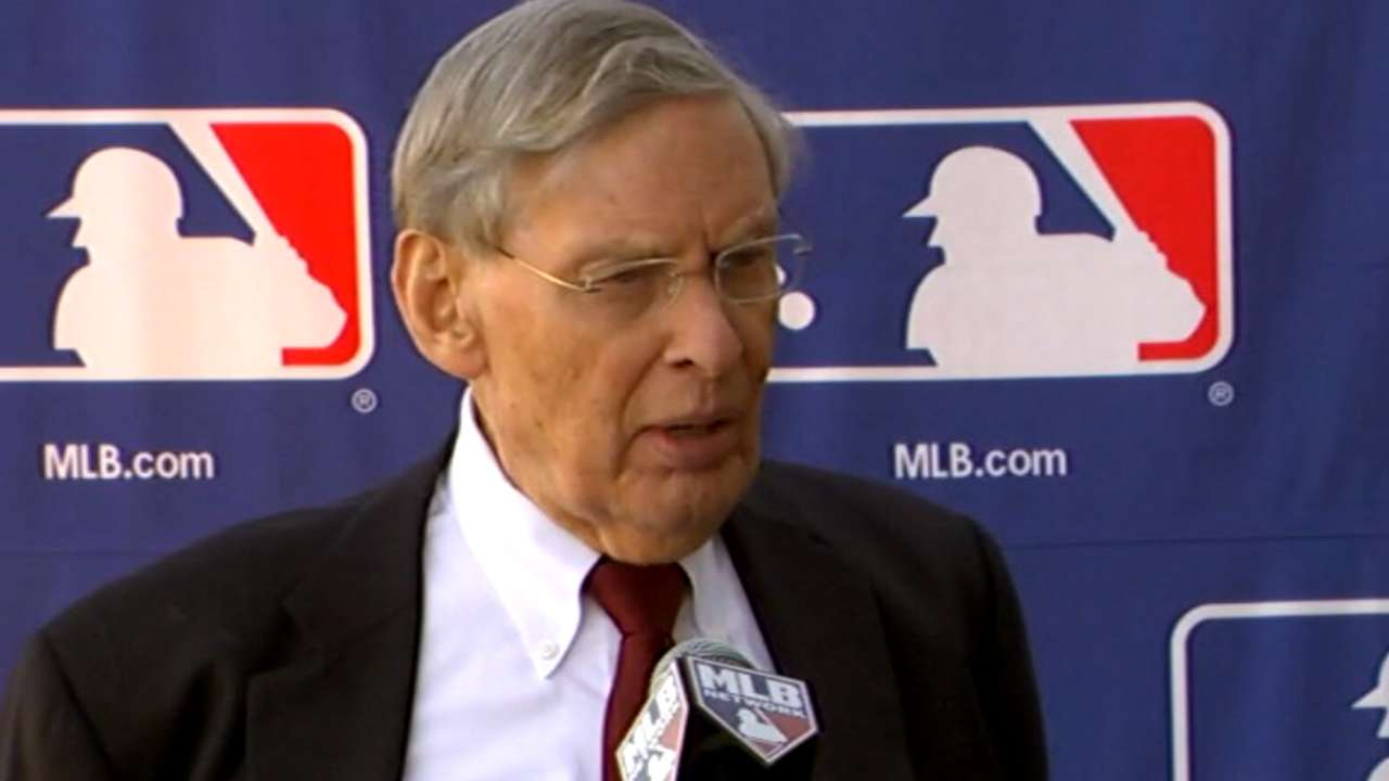 Red Sox owner supports Major League pitch clock