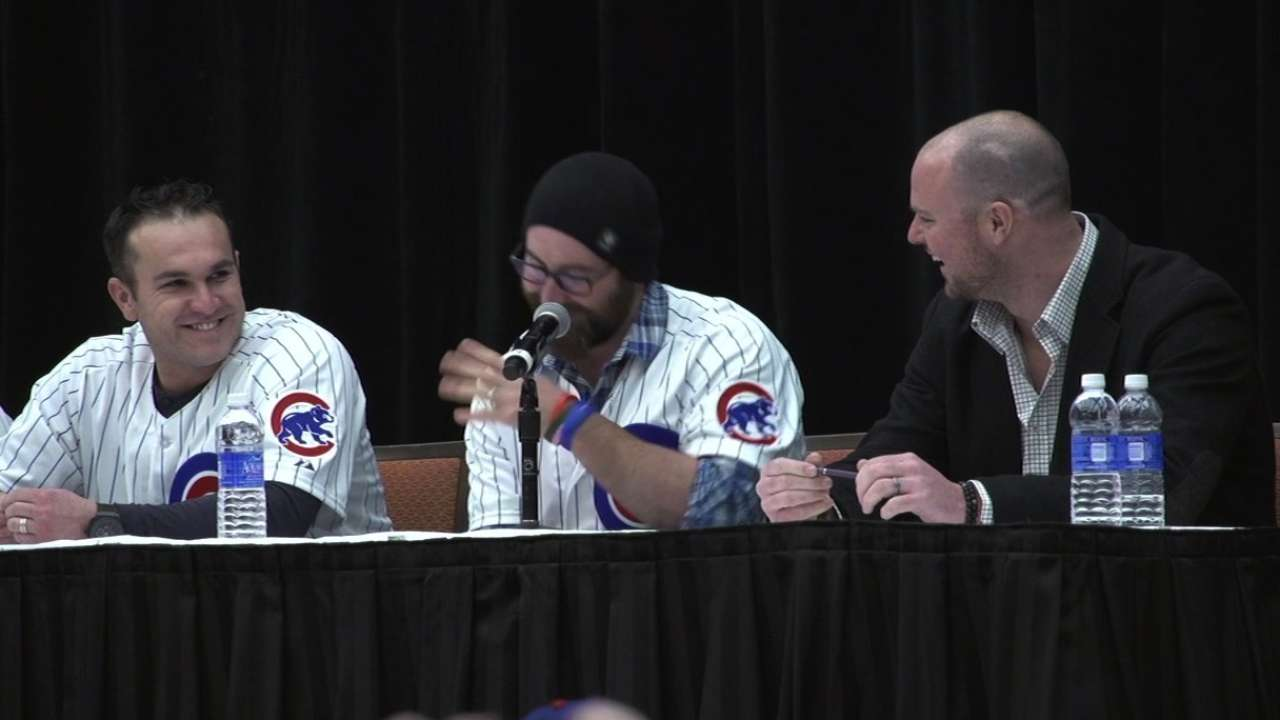 New Cubs ingratiate themselves with fans during Q&A