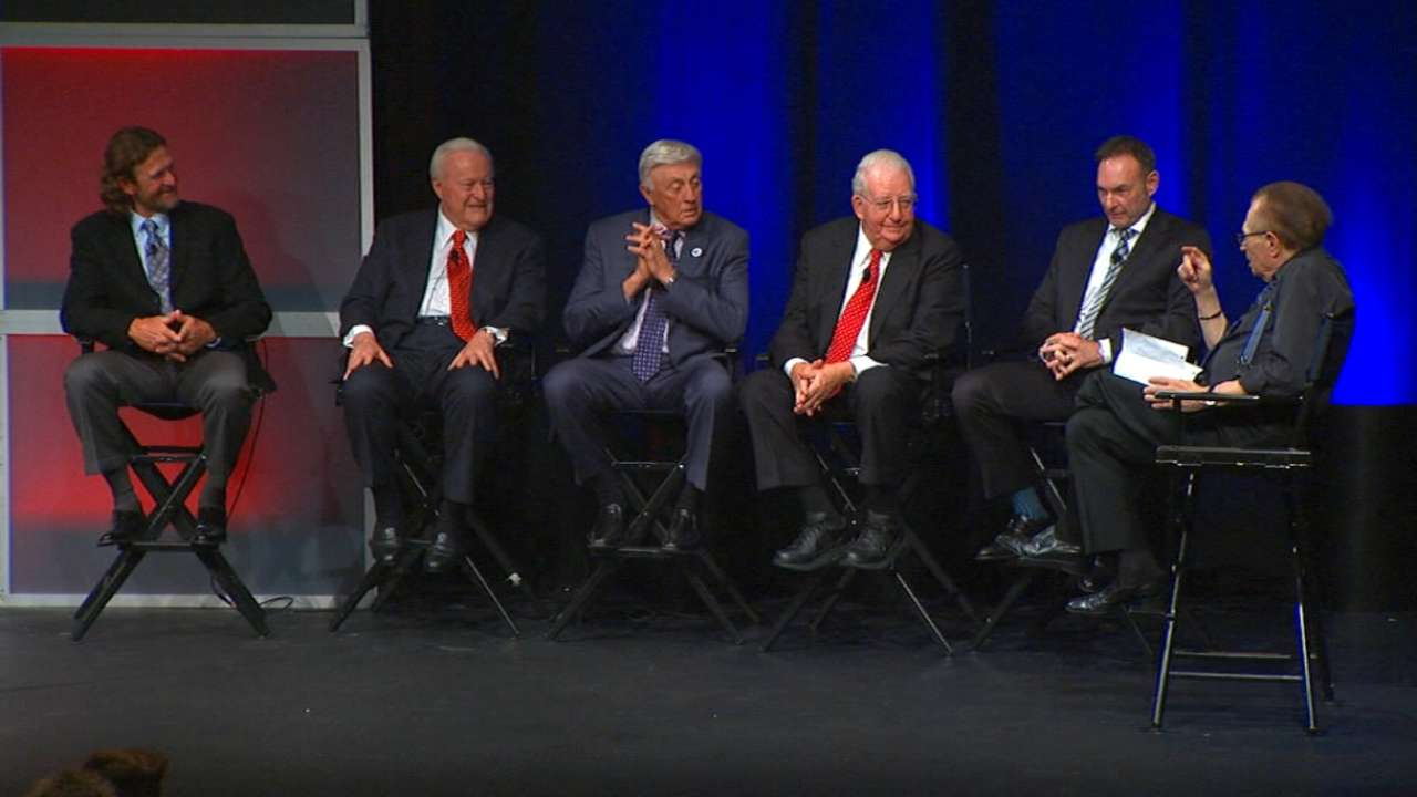 Round table discusses Selig