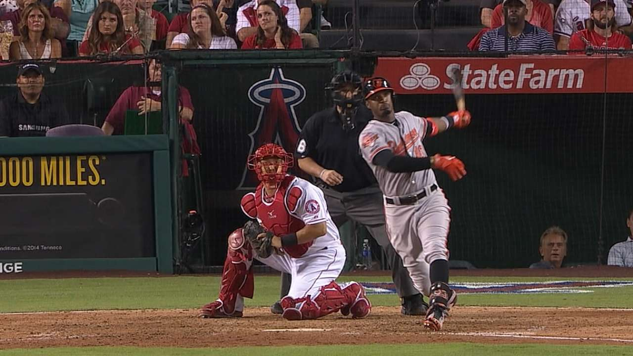 Jones' two-homer game powers O's at plate