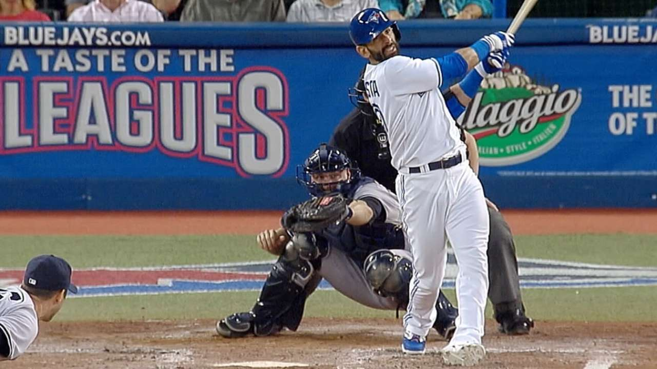 Tight hamstring leads to late scratch for Bautista