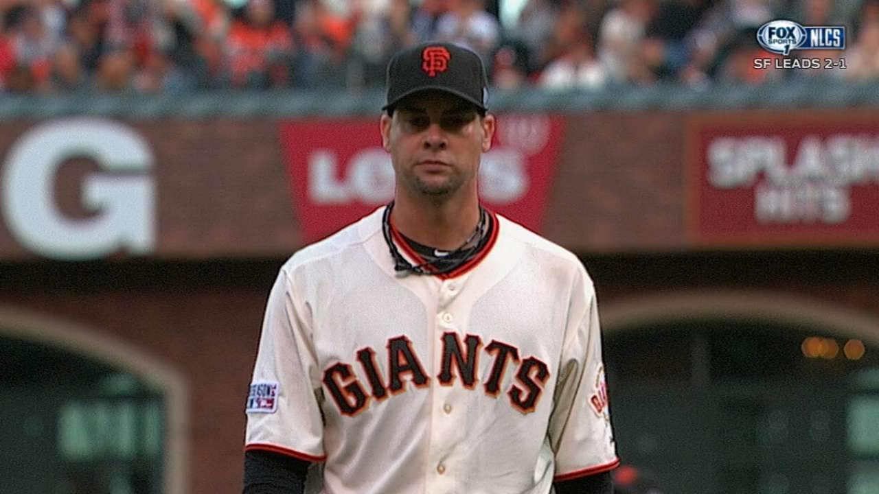 Heart in SF: Vogelsong re-signs with Giants