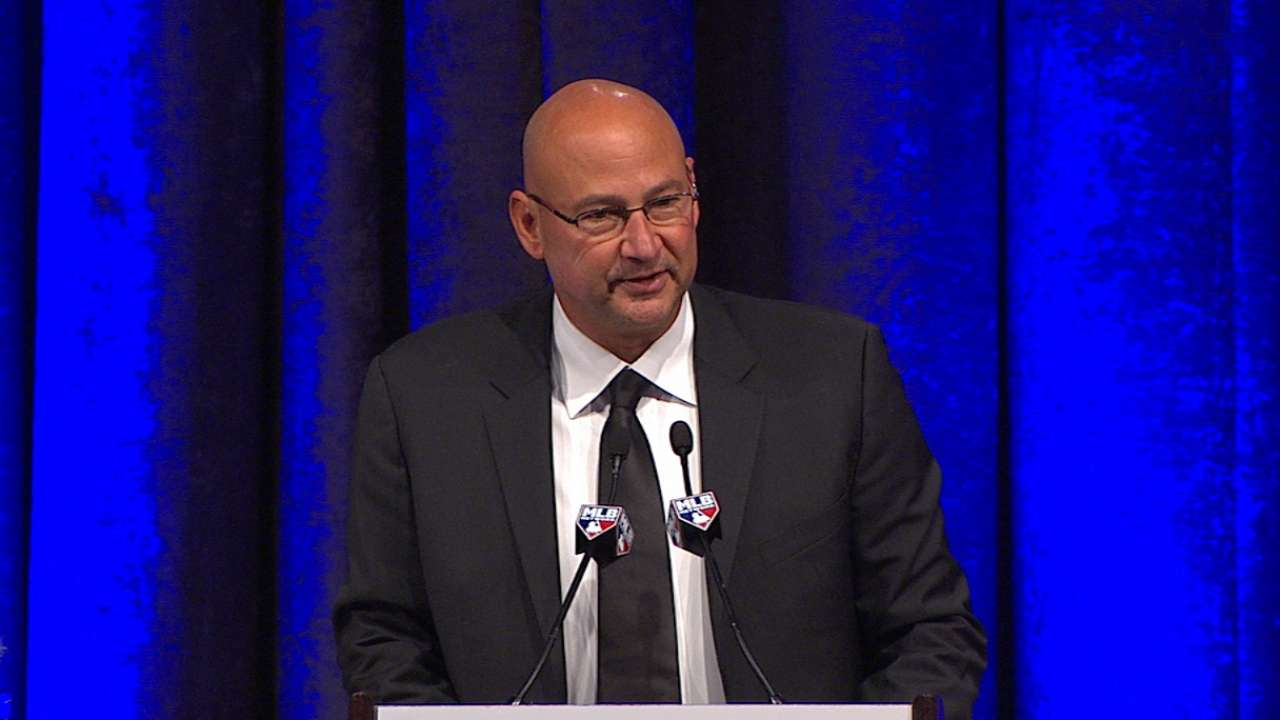 Francona pays tribute to Selig