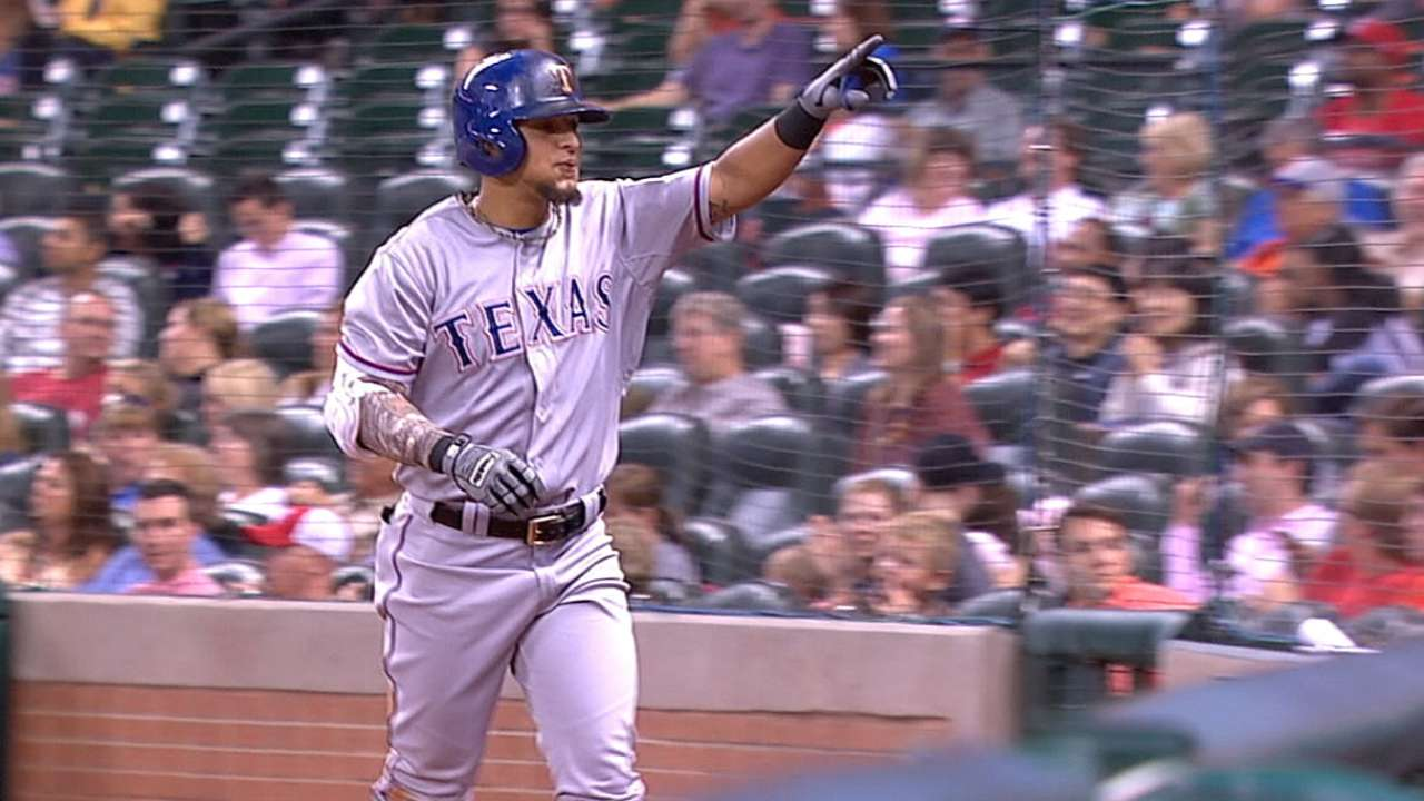 Odor, Gonzalez dazzle in Rangers' win over A's