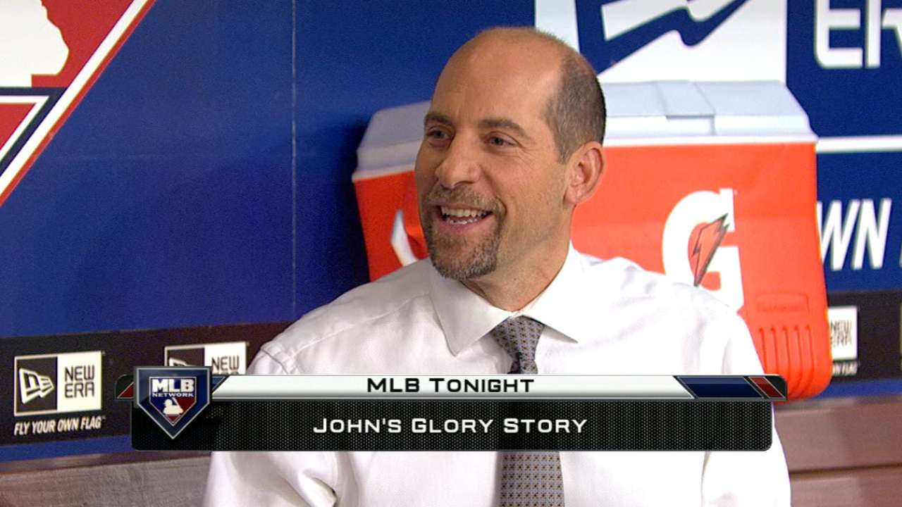 Smoltz recalls bellhop joke he played on teammates