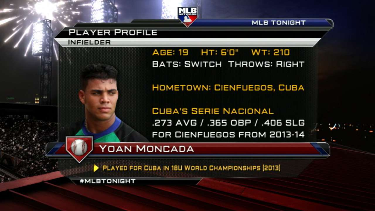 Cuban infielder Moncada clears government hurdle