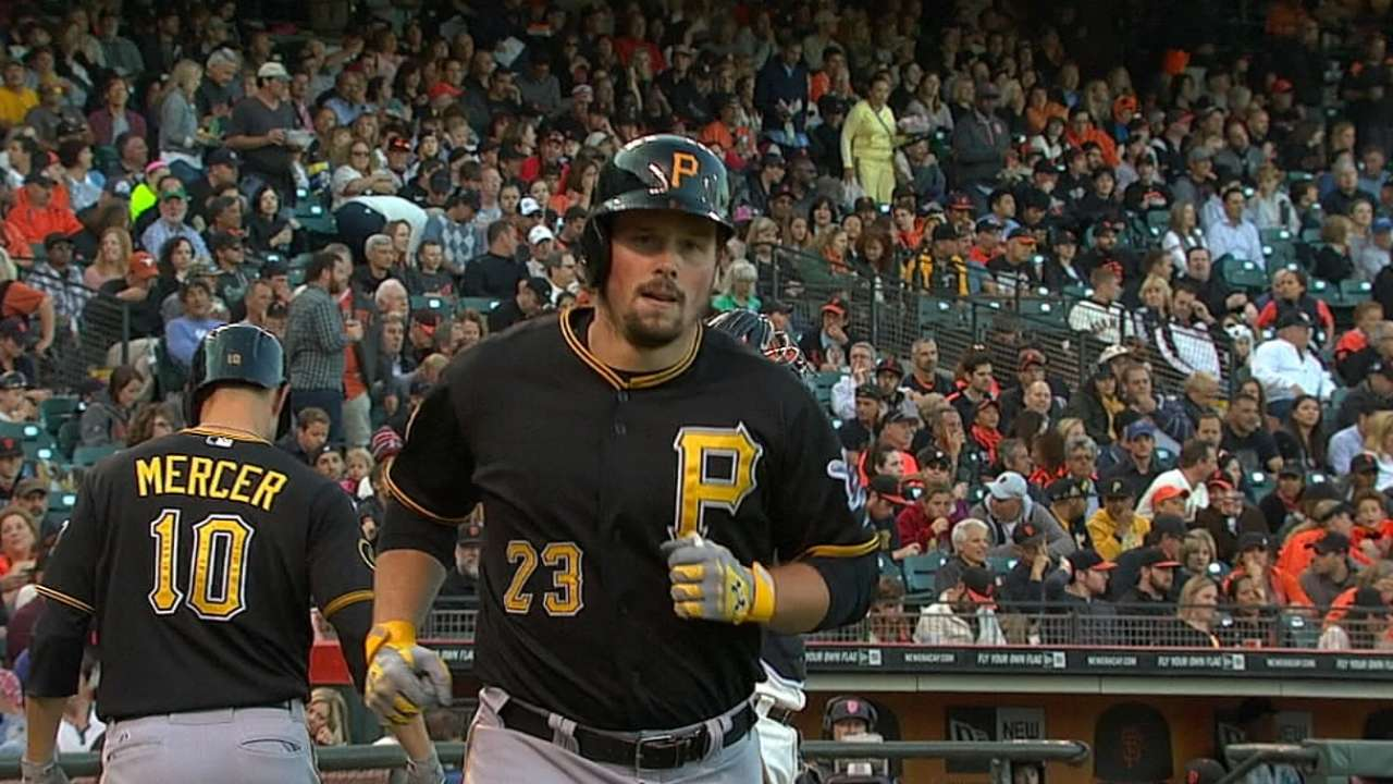 Pirates bolster farm in dealing Snider to O's