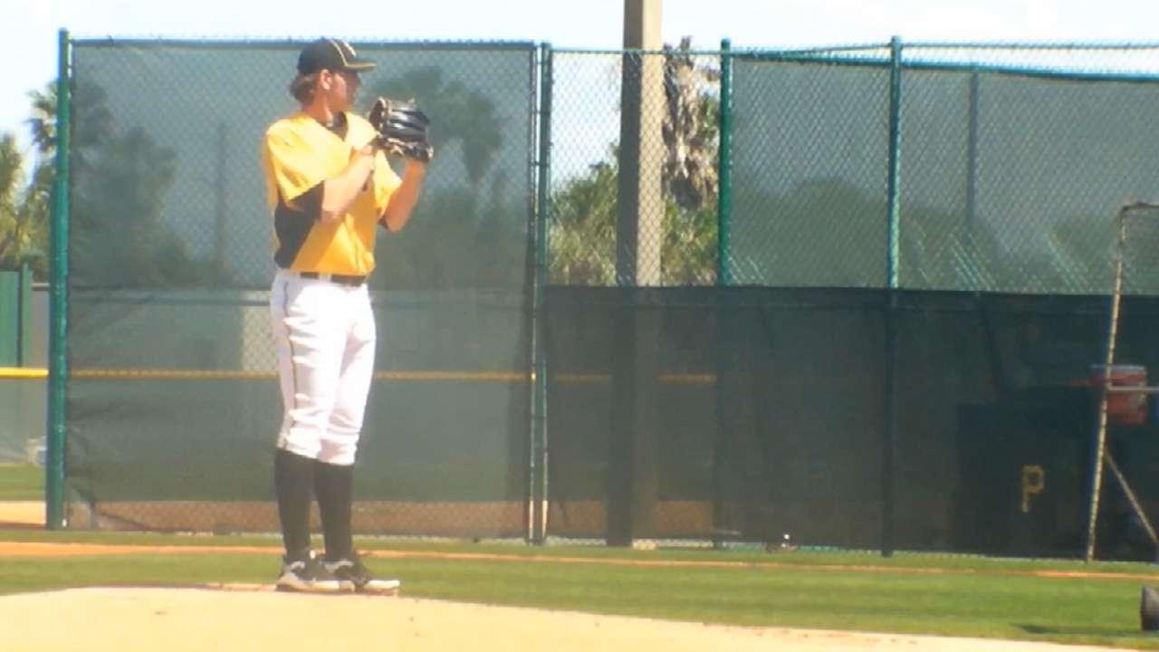 Pirates send prospects Kingham, Diaz to Minors