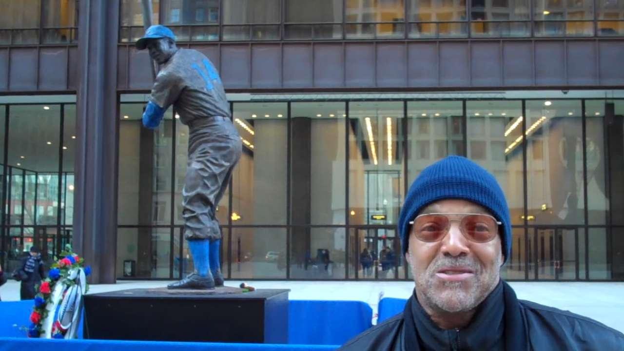 Cubs fans remember Ernie Banks