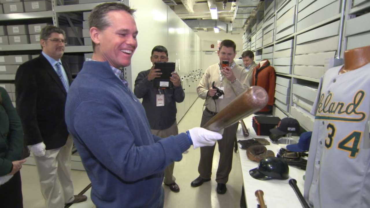 Biggio up close with history during HOF visit