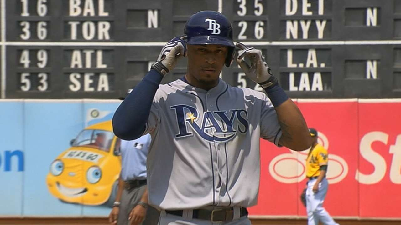 Rays weigh pros, cons of bunting