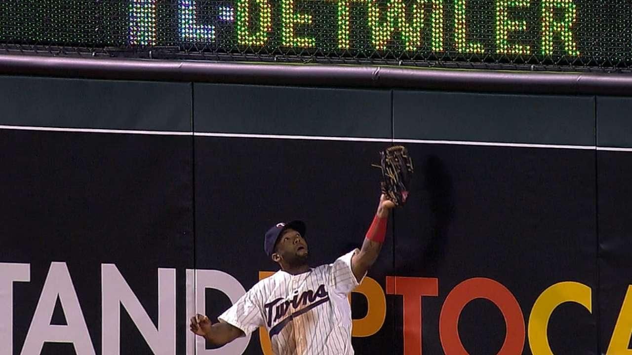 Santana named Opening Day shortstop