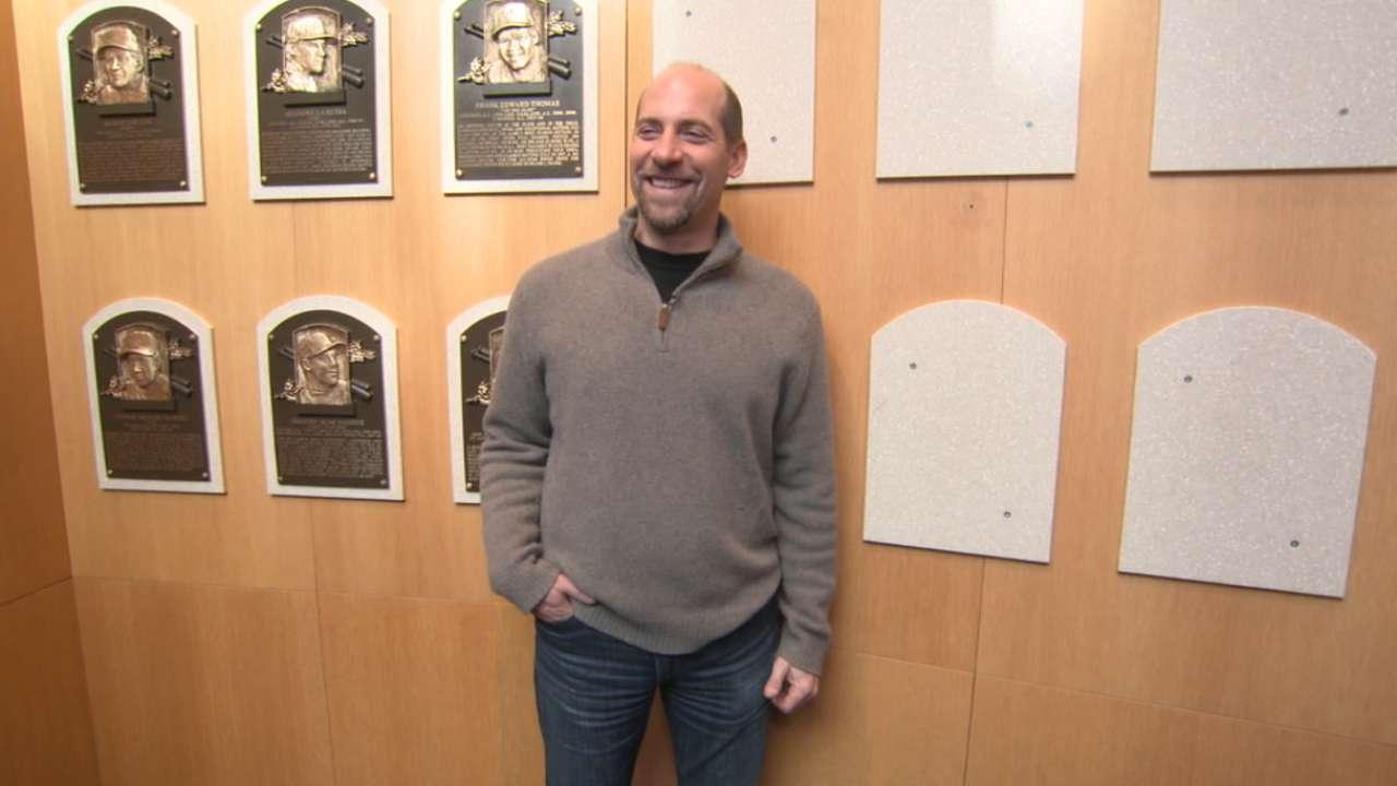 Tour of Hall reunites Smoltz with Braves history