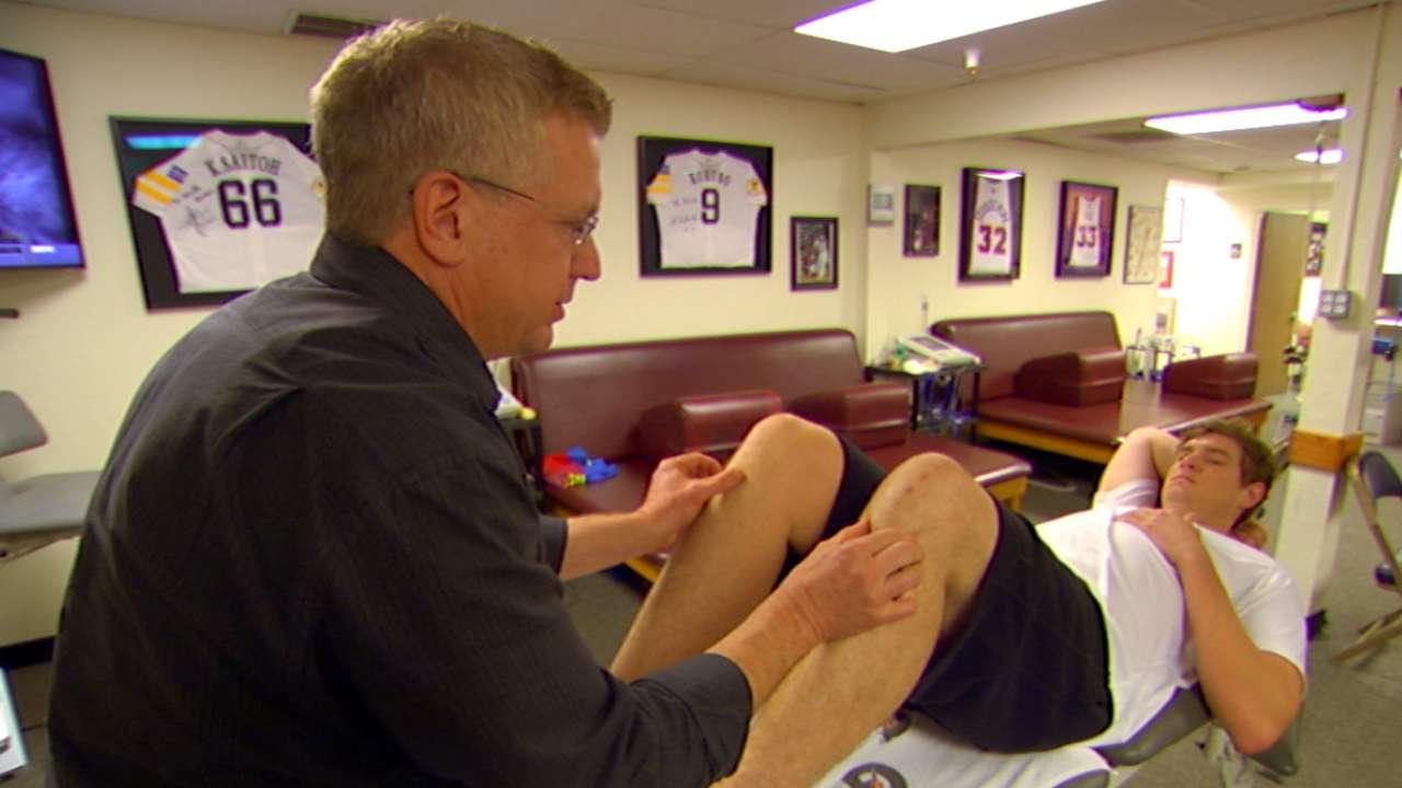 Richards working hard to move past knee injury