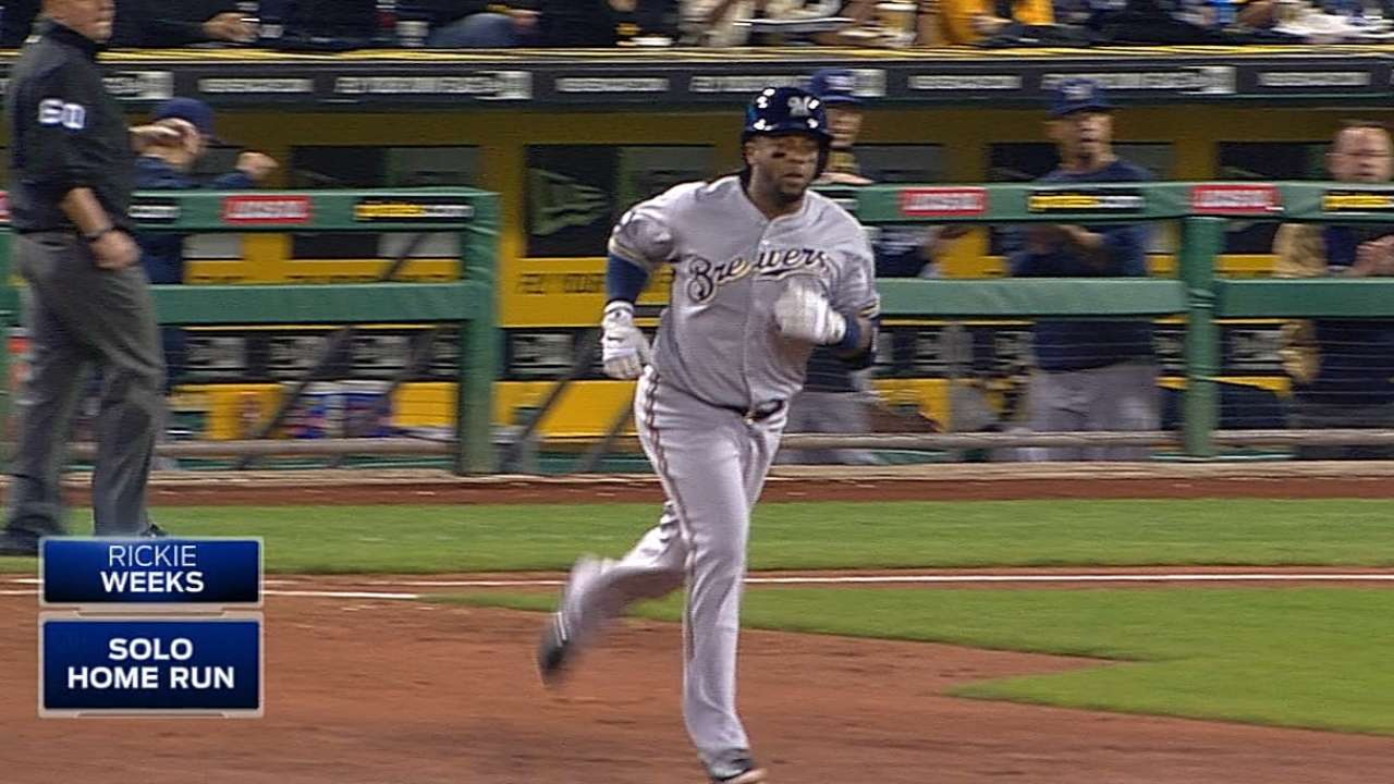 Mariners, Weeks agree to a deal