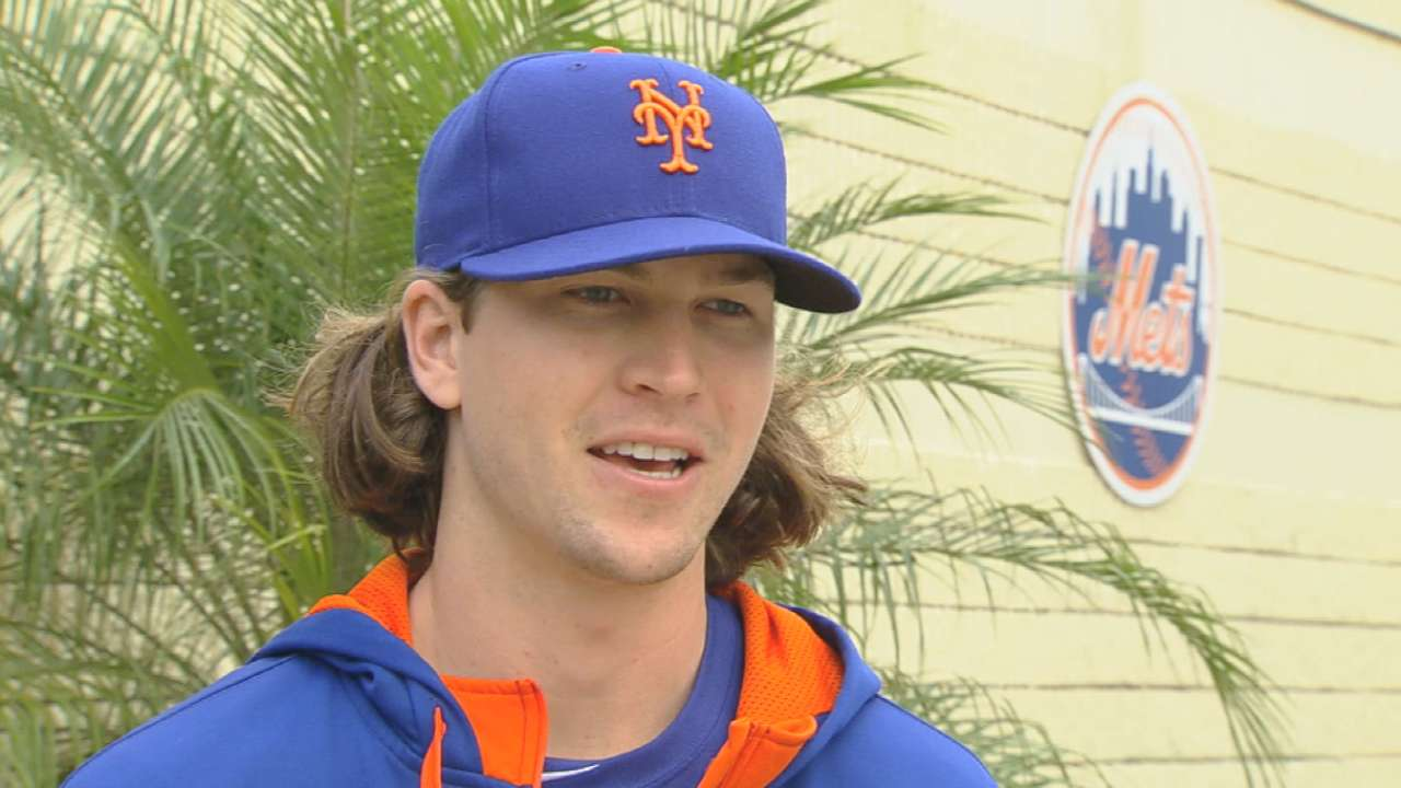 Reigning NL Rookie of the Year deGrom gets camp underway