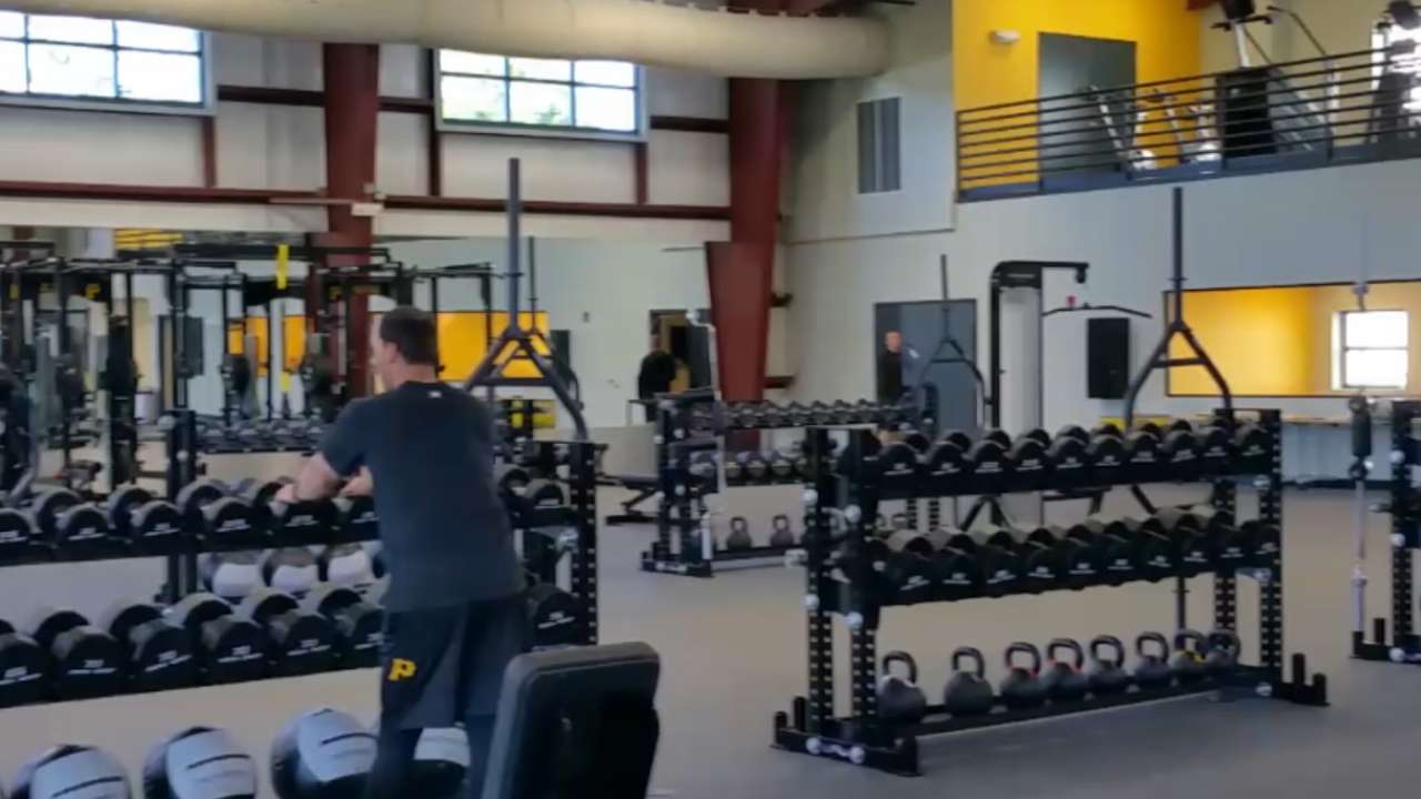 Pirates go to work at new Performance Center
