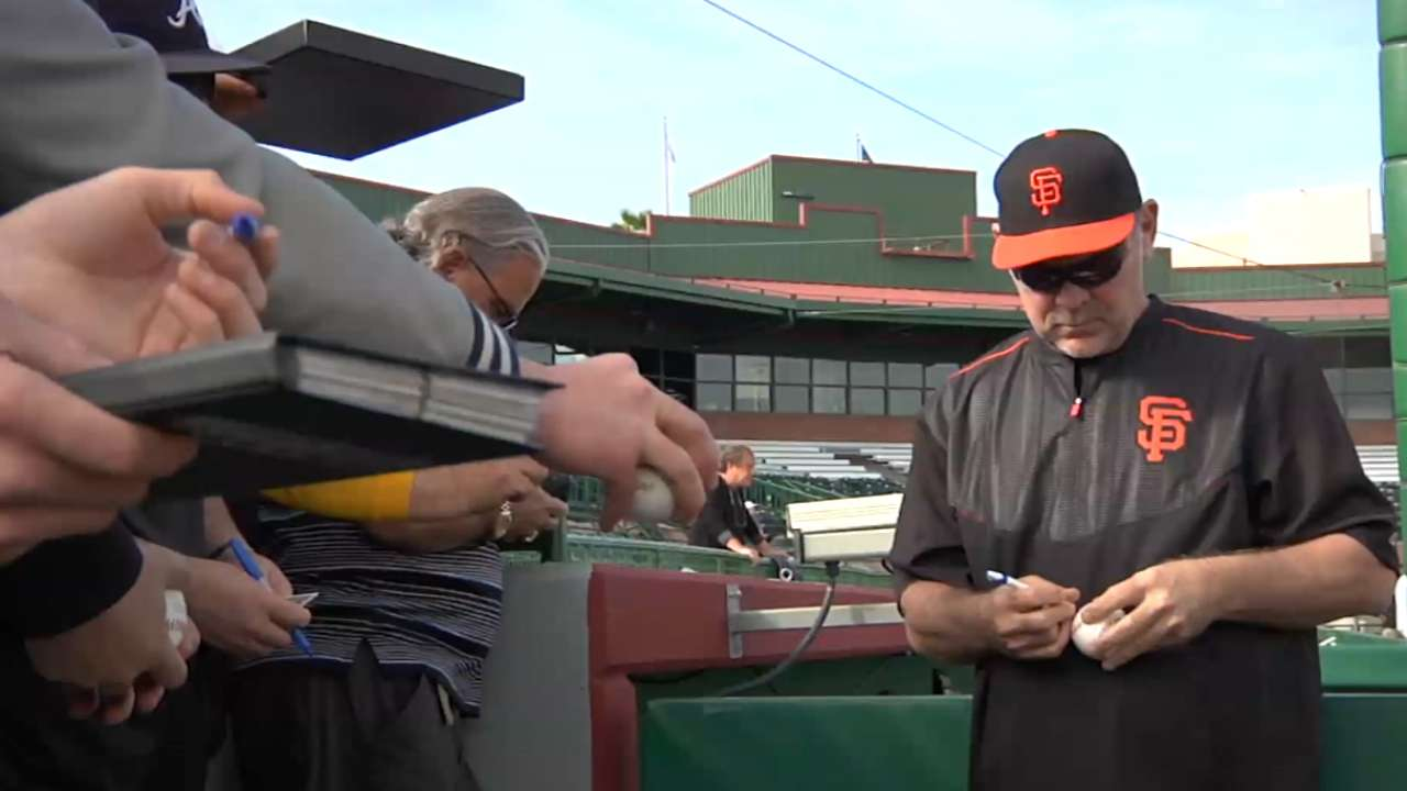 Bochy has stents inserted after experiencing discomfort